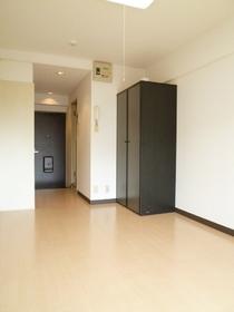 司ビルディング 102号室