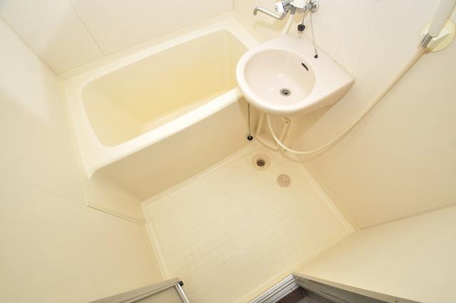 クリスタルアーク ちょうどいいサイズのお風呂です。お掃除も楽にできますよ。