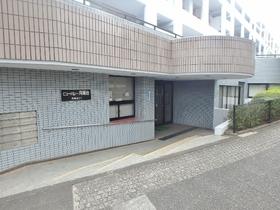 稲城駅 徒歩12分エントランス