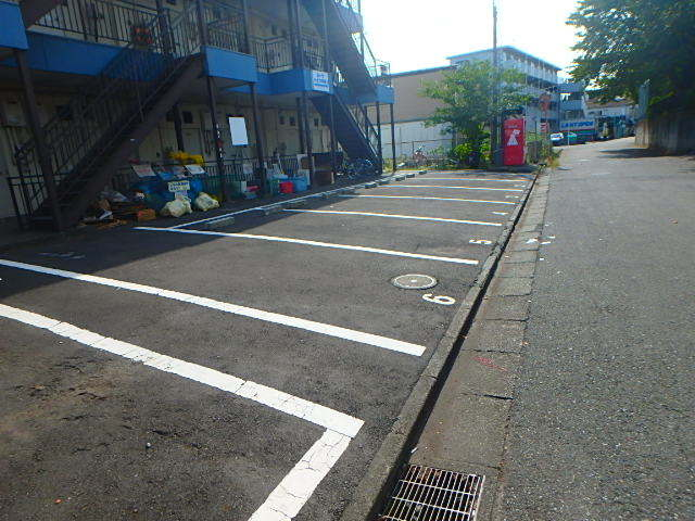 パークハイツ中島1駐車場