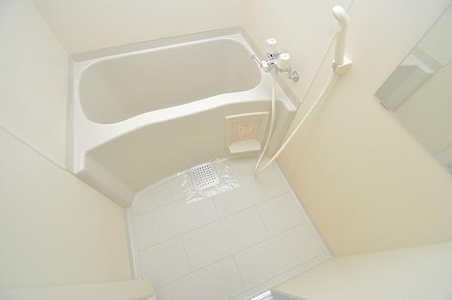 メゾン・ド・ヴィレ 深江 ゆったりサイズのお風呂は落ちつける癒しの空間です。