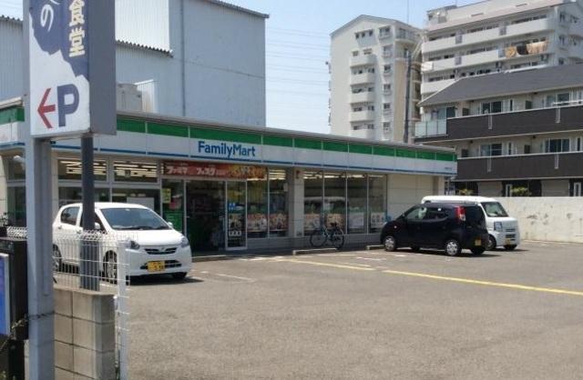 ファミリーマート南花田店