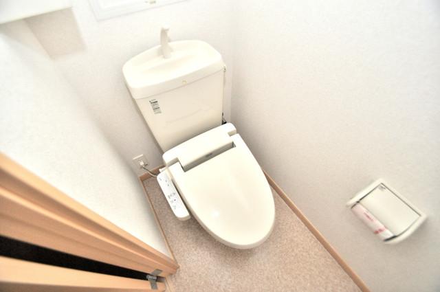 巽北ロイヤルマンション 清潔感のある綺麗なトイレにはウォシュレット標準装備です。