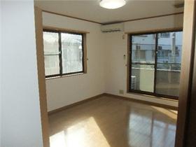 https://image.rentersnet.jp/d471474f-88d3-49bb-bbd8-2ff2c6cd83cb_property_picture_959_large.jpg_cap_居室