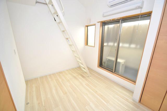 Realize長瀬 白を基調とした内装でおしゃれで、落ち着ける空間です。