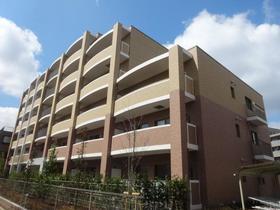 ベルファミーユ高根台 3大和ハウス施工、まるで分譲のような豪華な外観です