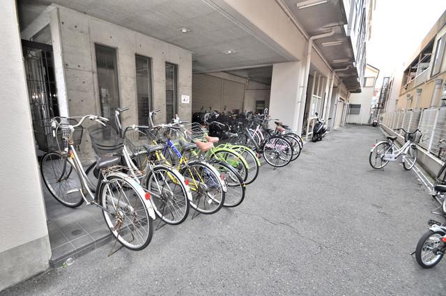 アドバンス渋川 ペントハウス あなたの大事な自転車も安心してとめることができますね。
