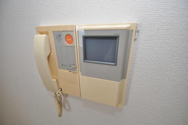 ゴッドフィールドⅡ TVモニターホンは必須ですね。扉は誰か確認してから開けて下さいね