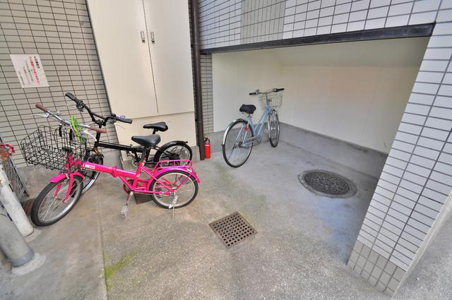 コーポラス光進 あなたの大事な自転車も安心してとめることができますね。