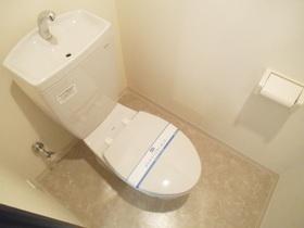 個室のトイレになっております♪