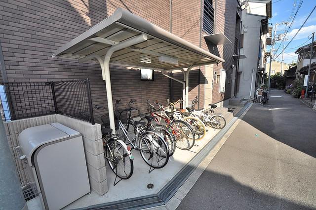 パル七曲 駐輪場が敷地内にあります。愛車を安心して置いておけますね。