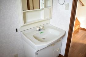 https://image.rentersnet.jp/d528ca05-a968-4e4a-bcef-77c9d0379a3a_property_picture_953_large.jpg_cap_洗面所