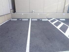 スカイコート板橋区役所前駐車場
