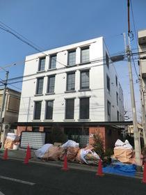 駒沢大学駅 徒歩10分エントランス