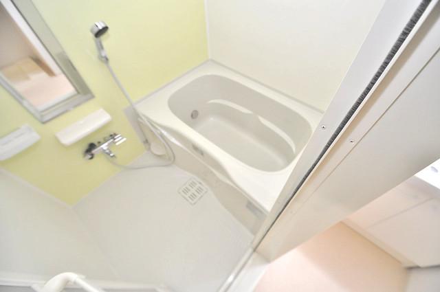 カーサプラシード ゆったりサイズのお風呂は落ちつける癒しの空間です。