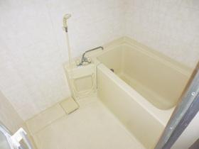清潔感のあるキレイなお風呂です