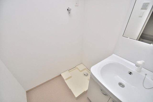 Fmaison verdeⅡ(エフ メゾン ベルデ) 洗濯機置場が室内にあると本当に助かりますよね。
