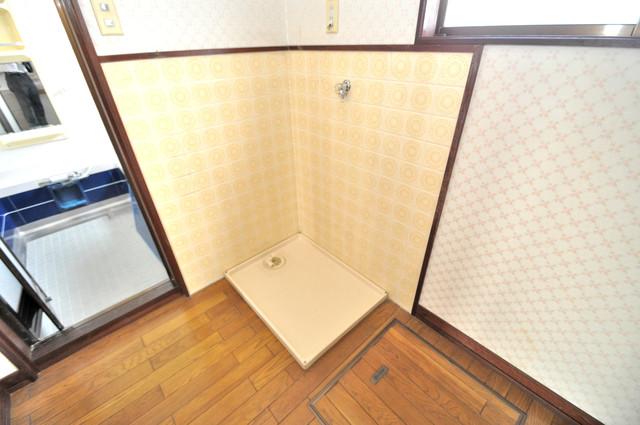 アドバンス渋川 ペントハウス 室内に洗濯機置き場があれば雨の日でも安心ですね。