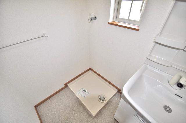 メゾン・みのうら 室内に洗濯機置き場があれば雨の日でも安心ですね。