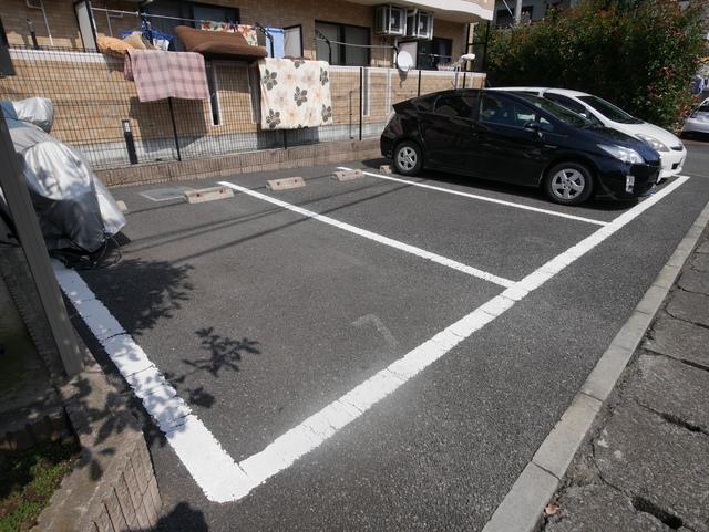 アンソレイユ駐車場