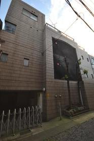 八幡山駅 徒歩12分エントランス