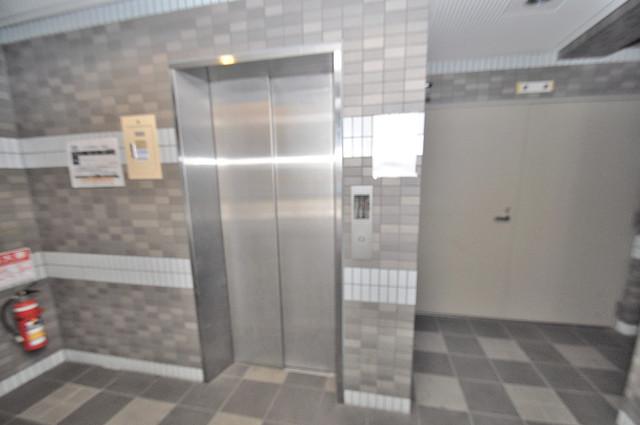 グランエトワール 嬉しい事にエレベーターがあります。重い荷物を持っていても安心