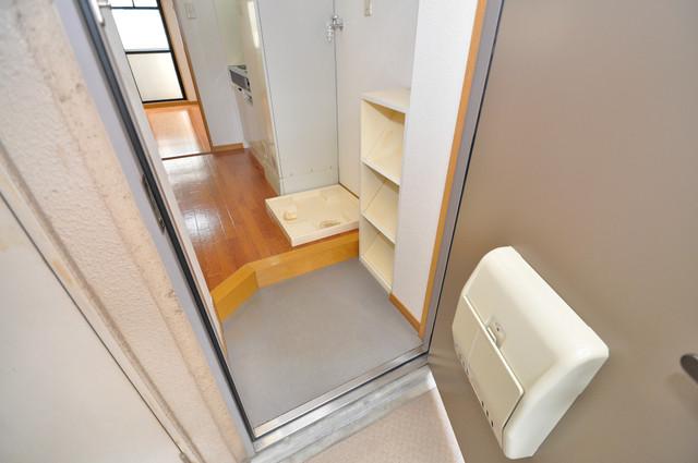 ロンモンターニュ小阪 シューズボックス完備で玄関周りがスッキリ。