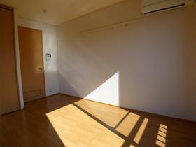クレール 201号室