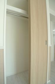 ブランドールネオ 201号室