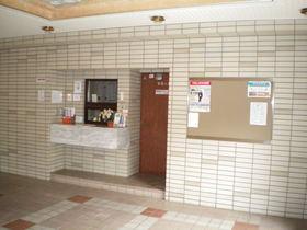 https://image.rentersnet.jp/d807a938-b694-432c-a1da-0d08b7962dc5_property_picture_1992_large.jpg_cap_エントランス