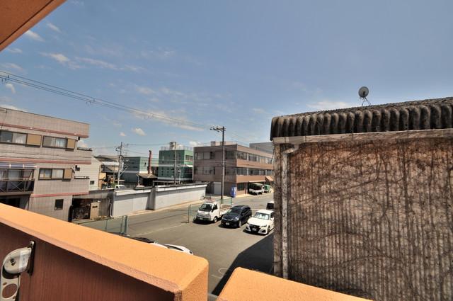 セレンディピティO・V この見晴らしが陽当たりのイイお部屋を作ってます。