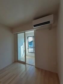https://image.rentersnet.jp/d84716aa-8934-4ac5-9fd0-d0c5c6521c69_property_picture_3515_large.jpg_cap_サンルーム