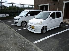 ヴェルデュール駐車場