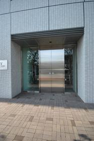 浜松町駅 徒歩7分エントランス