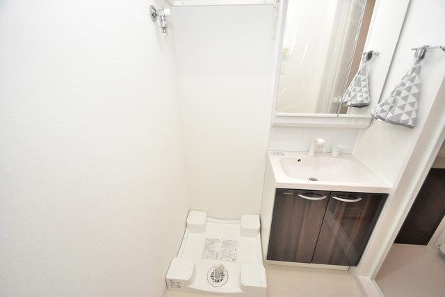 メルベージュ布施 嬉しい室内洗濯機置場は脱衣場も兼ねています。