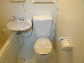 https://image.rentersnet.jp/d8c72a43-aea6-4964-bcf3-ba6aa59622d9_property_picture_1992_large.jpg_cap_トイレ