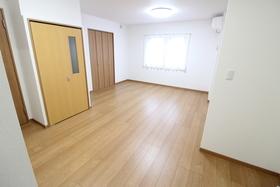 https://image.rentersnet.jp/d8c75150-7e2d-4f79-be44-e5f75affcd36_property_picture_958_large.jpg_cap_居室