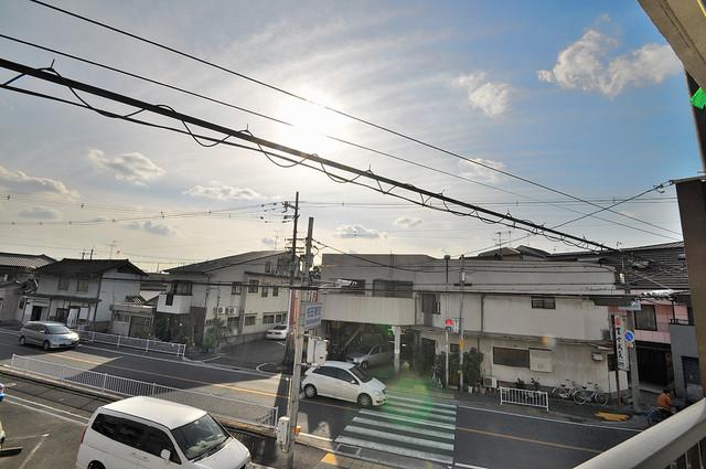 ハイツ片岡Ⅱ バルコニーは眺めが良く、風通しも良い。癒される空間ですね。