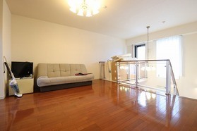 https://image.rentersnet.jp/d8f1ab81-aa58-4f70-8e7b-63618dd88935_property_picture_1992_large.jpg_cap_居室
