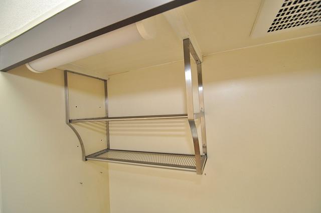 グリーンハウス キッチン棚も付いていて食器収納も困りませんね。