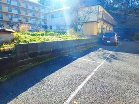 クレインマンション駐車場