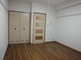 https://image.rentersnet.jp/d91aea30-0245-4cb0-bc0e-95f5d9116ffa_property_picture_958_large.jpg_cap_居室