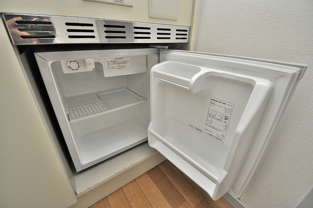 ジョイライフ永和 嬉しいミニ冷蔵庫付きです。家電代1つ分浮きましたね。