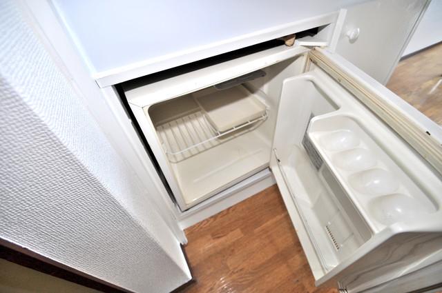 シティハイム南巽 キッチンの下にはかわいいミニ冷蔵庫付きです。得した気分です