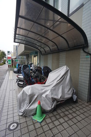 https://image.rentersnet.jp/d950739e-3215-48e0-8cad-eb4875eb1b99_property_picture_1800_large.jpg_cap_駐輪場