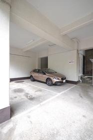 ライオンズマンション池田山駐車場