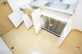 https://image.rentersnet.jp/d9860db0-2354-4c85-a36e-a70b6c13dc04_property_picture_956_large.jpg_cap_キッチン
