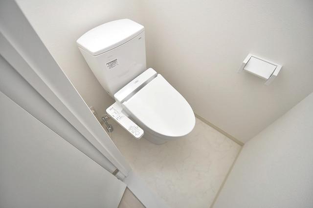 ラ・ハイール北巽 清潔感のある爽やかなトイレ。誰もがリラックスできる空間です。