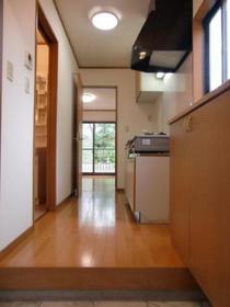https://image.rentersnet.jp/d9b8b565-3c19-495e-a9b7-6bd1c00fa748_property_picture_2419_large.jpg_cap_居室