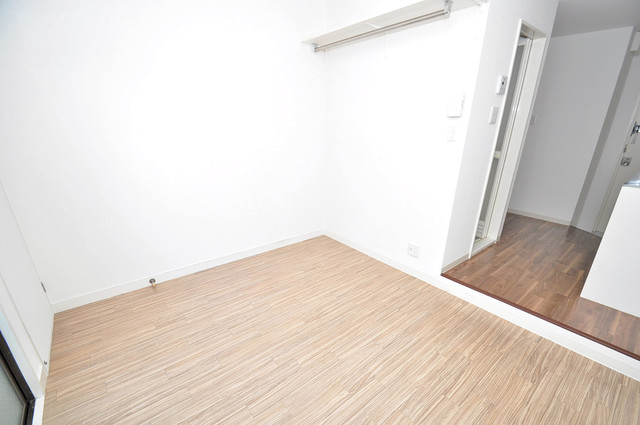 Blue Star G1(ブルースター) 朝には心地よい光が差し込む、このお部屋でお休みください。